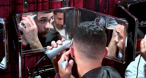 self-haircut-mirror-photo-7