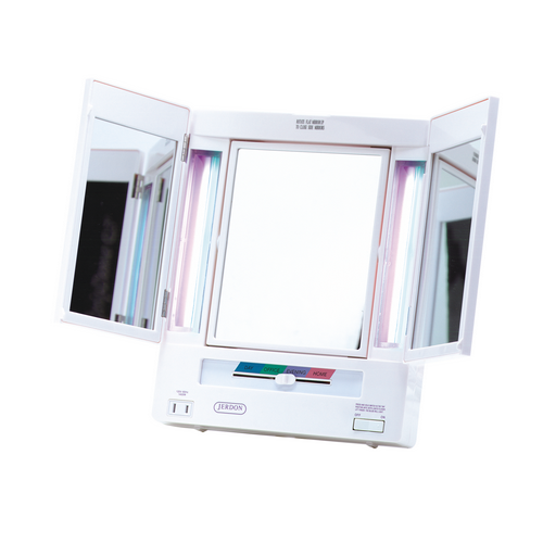 tri-fold-lighted-mirror-photo-8